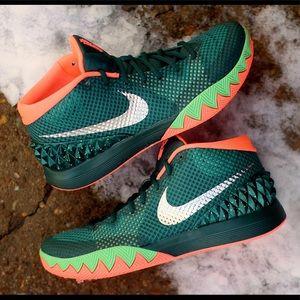 detailed look 30a11 216e2 Nike Shoes - 🔥Kyrie 1